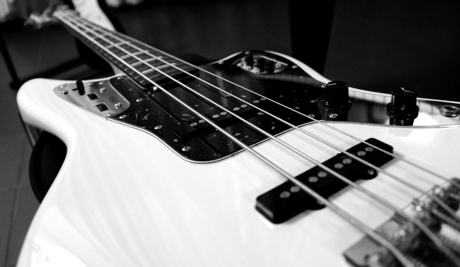 electric-bass-787207_960_720
