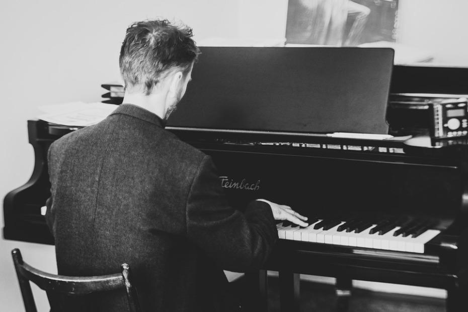 pianist-2225226_960_720
